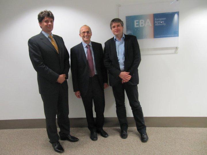 Mit EBA-Exektuivdirektor Farkas und EBA-Präsident Enria.
