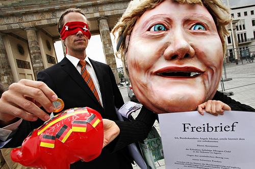 Campact Aktion gegen Steueramnestie-Abkommen mit der Schweiz