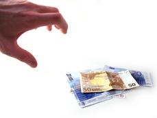 finanzen-hand-geldscheine-photocase-c-promo-de_rdax_229x172