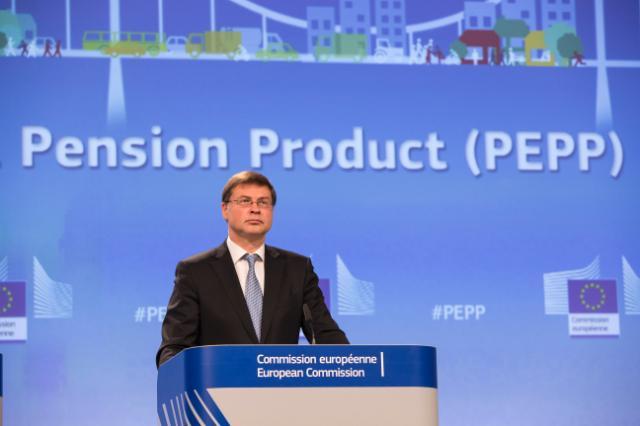EU-Kommissar Dombrovskis präsentiert das europäische Renten-Anlageprodukt PEPP